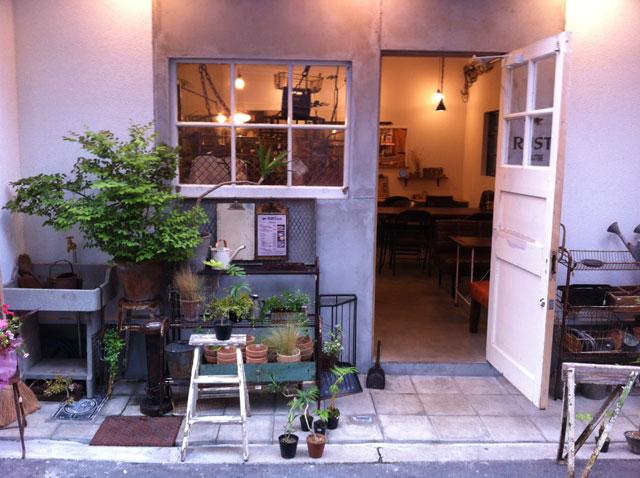 日本橋4丁目にアンティーク雑貨&カフェ「RUST」がオープン