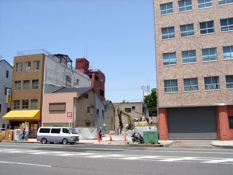 旧「アシベカーピット」跡地でもマンション建設か