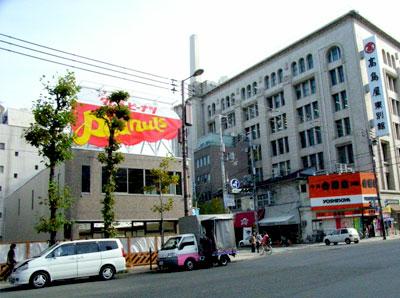 日本橋3丁目交差点「タムラのピーナツ」跡地はコンビニ?