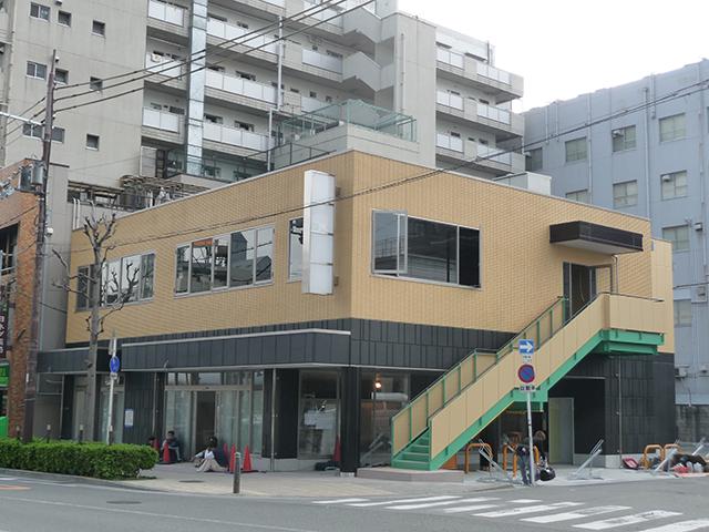 恵美須町・りそな銀行跡の商業ビル、2階はサイゼリヤが出店