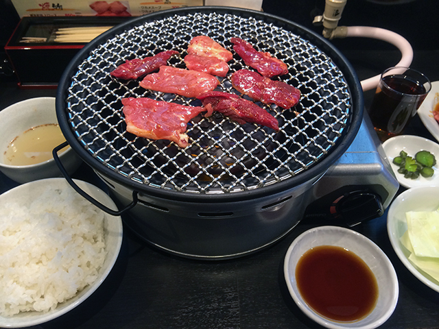 日本橋4丁目に手軽な焼肉専門店「こいろり」がオープン