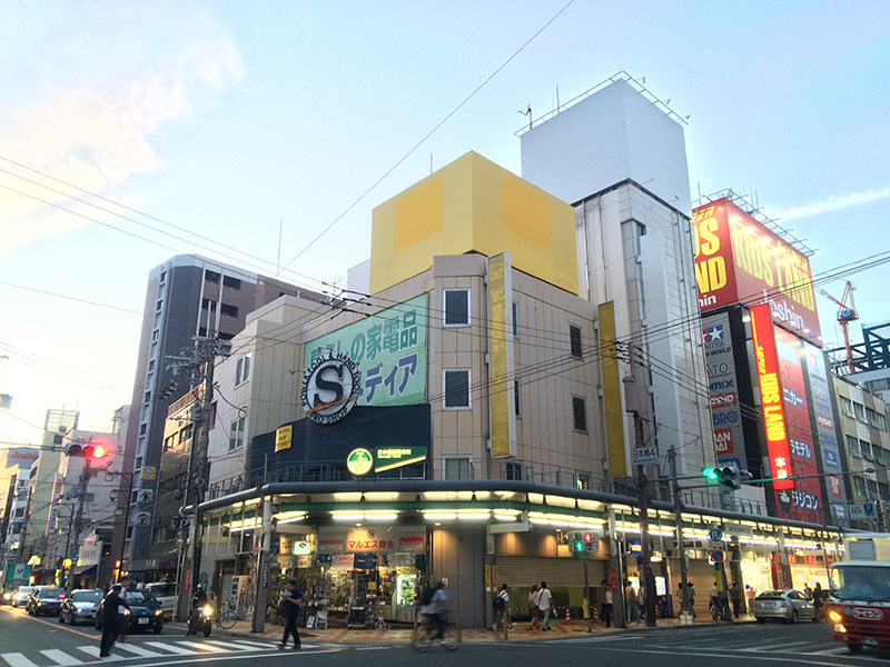 日本橋4丁目・「おたくの殿堂」跡が改装工事中
