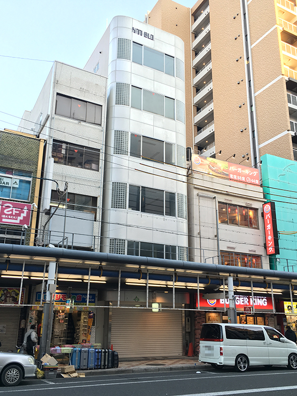 「ハロプロ」の公式ショップは恵美須町駅前に 来年1月22日オープン