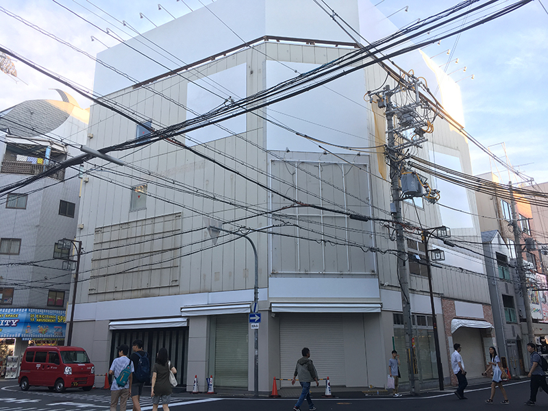 オタロードの元「K-BOOKSなんば弐番館」跡が改装中 新規テナント入居か?
