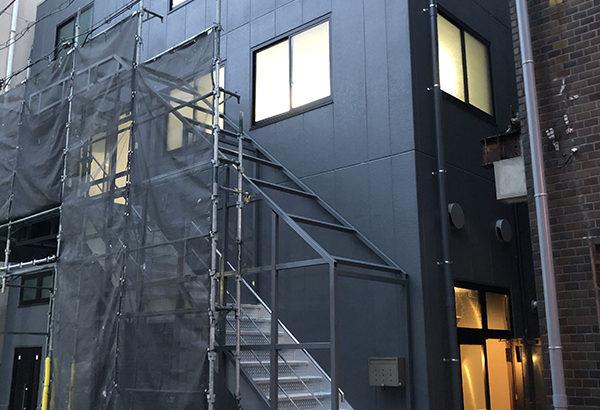 小劇場「インディペンデントシアター1st」が日本橋公園南側に移転