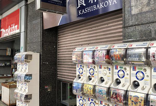 日本橋4丁目のゲーセン「萌ぷら」跡はレンタルショーケースに